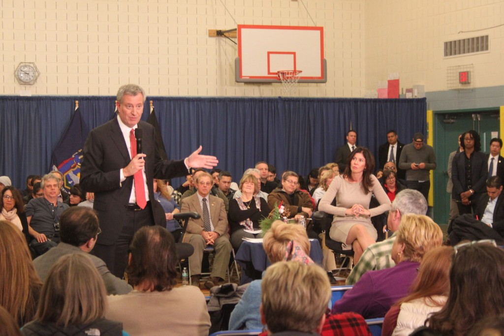 Mayor Deblasio has a difficult time winning over Glendale crowd at Town Hall Meeting on Monday December 18 at PS 113